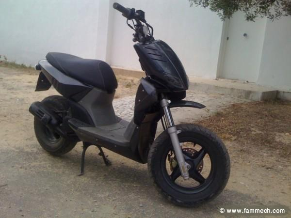 voitures tunisie yamaha nabeul scooter a vendre 1. Black Bedroom Furniture Sets. Home Design Ideas