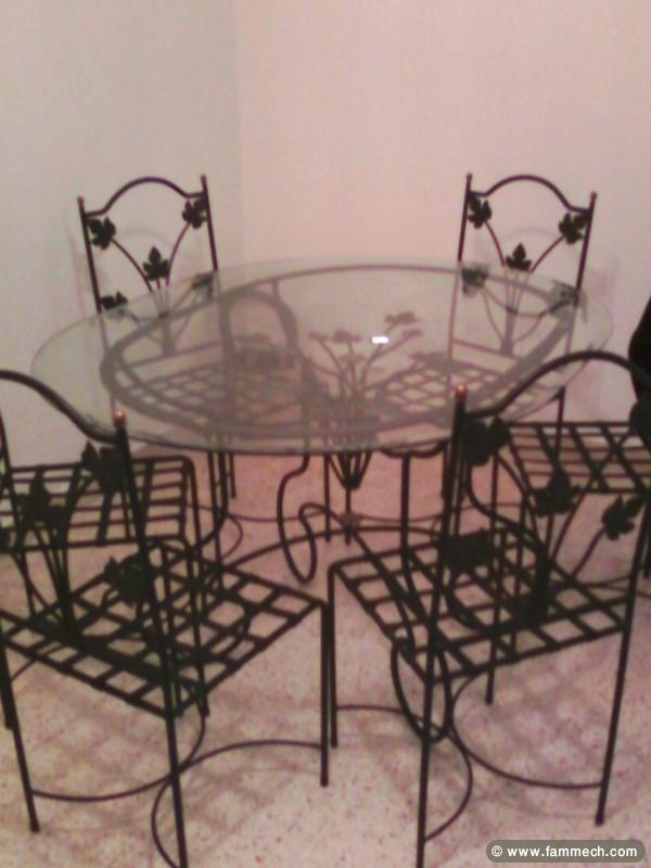 Chaises salles manger for Table salle a manger fer forge design