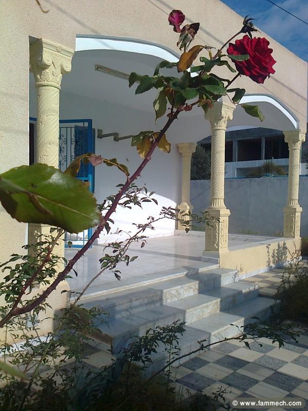 Immobilier tunisie location maison hergla a louer une for Villa avec jardin tunisie