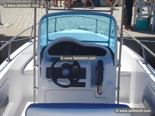 voitures tunisie 3 4 tonner sousse des bateaux a des prix imbattables 3. Black Bedroom Furniture Sets. Home Design Ideas