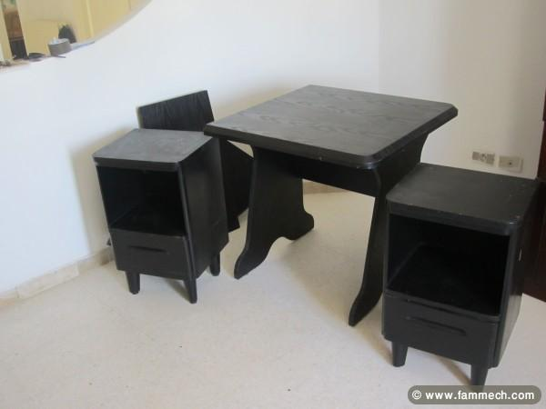 bonnes affaires tunisie maison meubles d coration deux tables de bureau et bureau. Black Bedroom Furniture Sets. Home Design Ideas