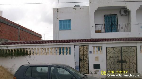 Immobilier tunisie vente maison mohamadia duplex a saisir for Jardin 2000 tunisie