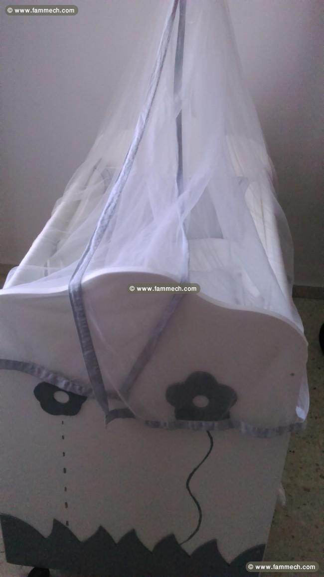 bonnes affaires tunisie maison meubles d coration lit b b 1. Black Bedroom Furniture Sets. Home Design Ideas