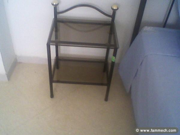 bonnes affaires tunisie maison meubles d coration lit en fer forg avec table de nuit 1. Black Bedroom Furniture Sets. Home Design Ideas