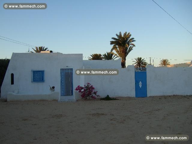immobilier tunisie location maison midoun maison meubl e l 39 ann e 2 mn de la mer 0. Black Bedroom Furniture Sets. Home Design Ideas