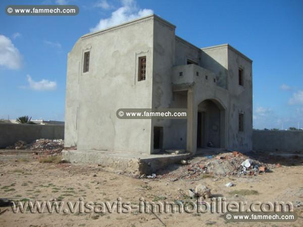 Immobilier tunisie vente maison houmet essouk maison for Achat maison tunisie