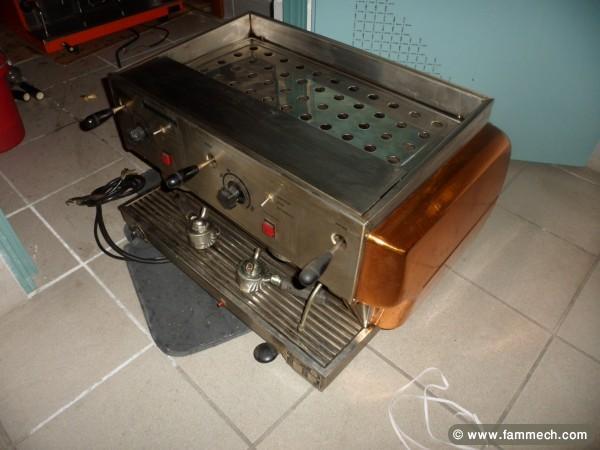 bonnes affaires tunisie mat riel pro machine caf. Black Bedroom Furniture Sets. Home Design Ideas