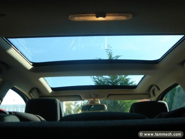 voitures tunisie renault megane ben arous megane coup toit panoramique 1. Black Bedroom Furniture Sets. Home Design Ideas