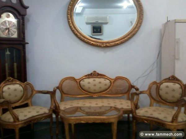 meuble antique a vendre tunisie table de lit a roulettes. Black Bedroom Furniture Sets. Home Design Ideas