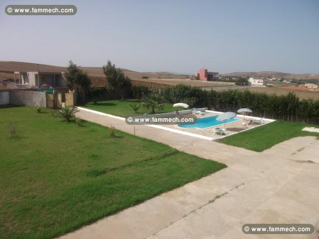 Immobilier tunisie vente maison bizerte nord superbe for Jardin 400m2 piscine