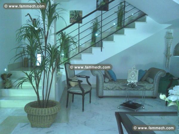 Immobilier tunisie vente maison la soukra un superbe for Maison duplex moderne