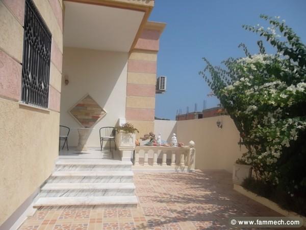 Immobilier tunisie vente maison akouda villa a vendre for Villa avec jardin tunisie