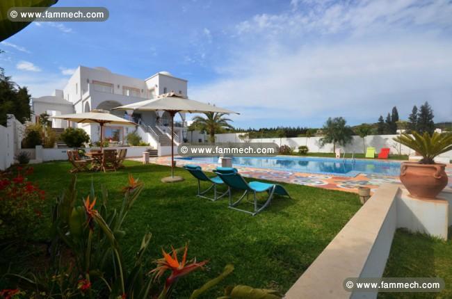 Immobilier tunisie vente maison beni khiar villa avec for Piscine avec hammam paris