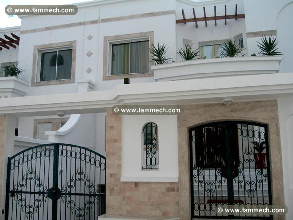 Immobilier tunisie location maison monastir villa de for Model de villa de luxe
