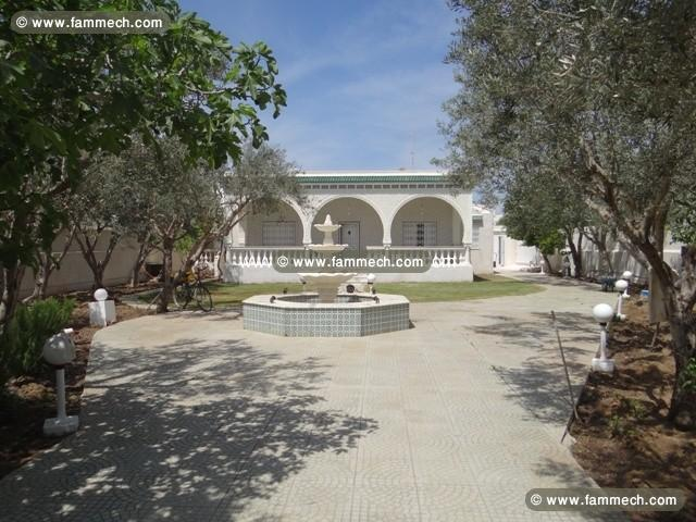 Immobilier tunisie location maison hammamet villa l for Jardin 2000 tunisie