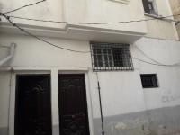Trois appartements à beb souika nahej lahdid