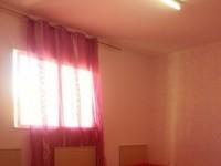 un joli appartement richement meublé
